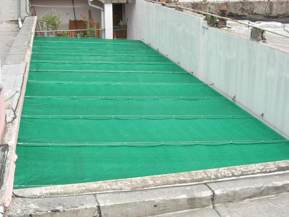 Toldos media sombra cerramientos for Tipos de toldos para patios